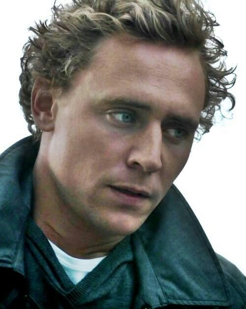 Hiddles as Magnus. #MagnusMonday