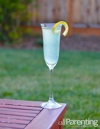 French 75 champagne #cocktail | Mommy's Juice Box | Pinterest