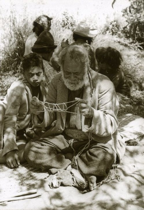 Maori cat's cradle