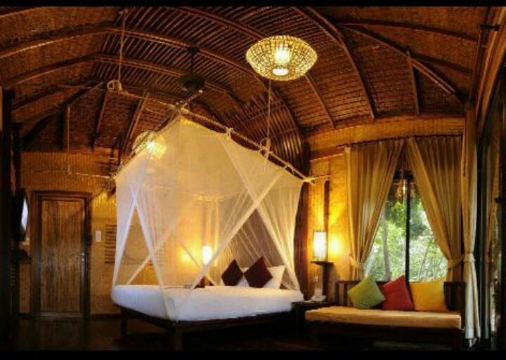 inside treehouse bedroom romantic bedroom oasis pinterest