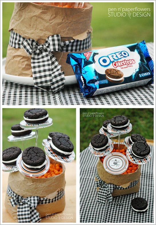 Display Oreo Cakesters...