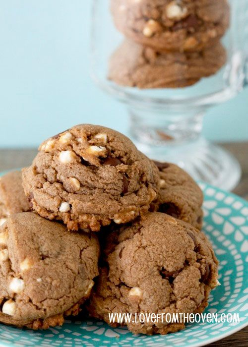 hot cocoa cookies with mini marshamallows