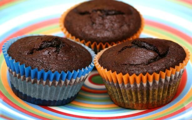 "Basic Vegan Chocolate Cupcakes/ From ""Vegan Cupcakes Take Over the ..."