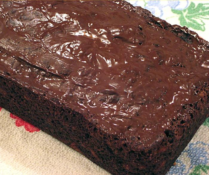 Andrea's Easy Vegan Cooking: Chocolate banana cake