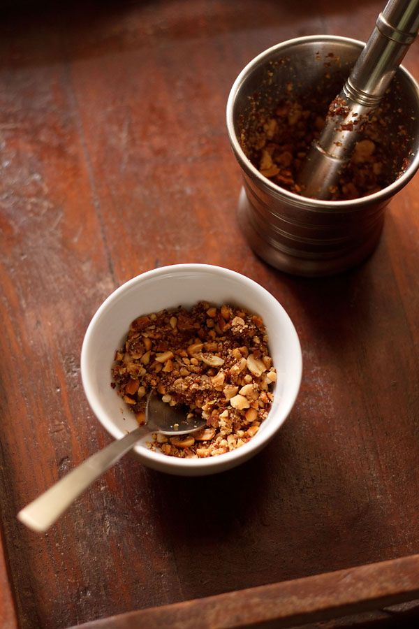 ... spicy crunchy chutney like mixture made with peanuts, garlic and green