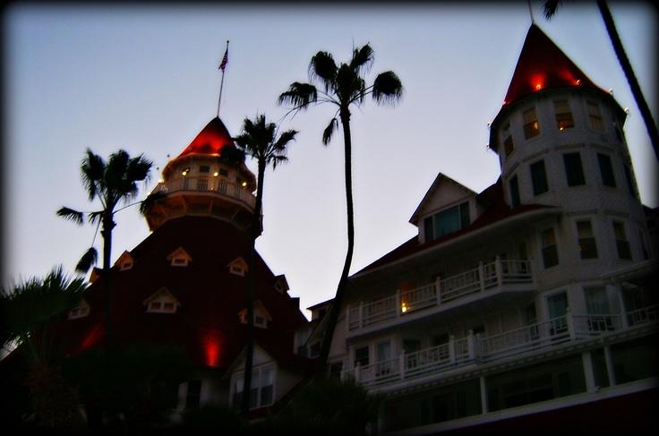 Haunted hotel del coronado san diego jon lander for San francisco haunted hotel