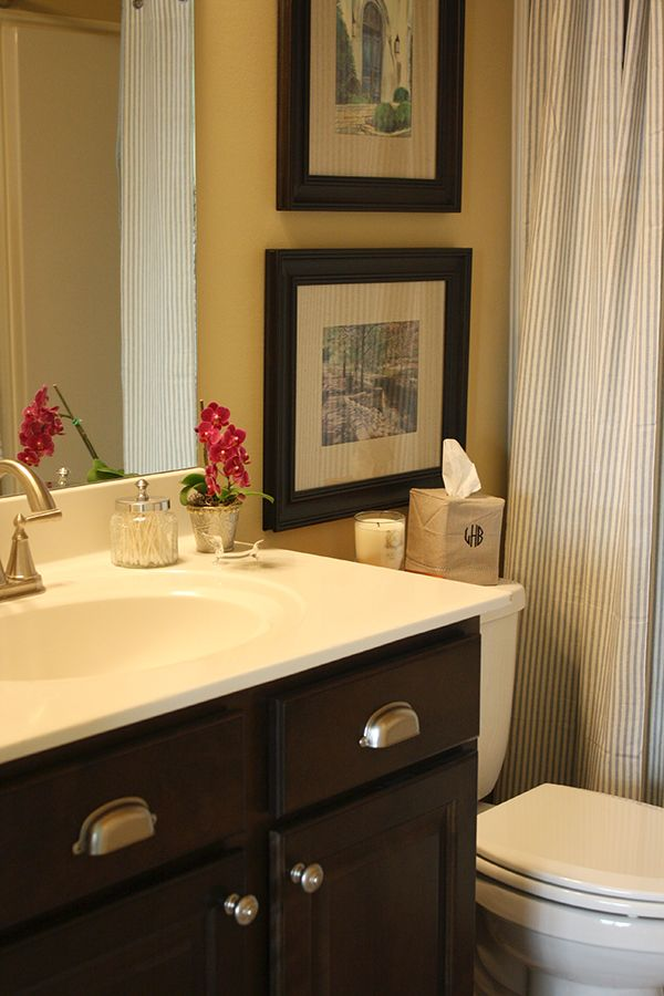 I39m sharing some pictures of my guest bathroom on the blog for How to make yourself go to the bathroom