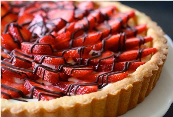 Strawberry Cream Cheese Tart | Sweet Thing: Pies & Tarts | Pinterest