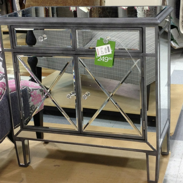 Pin By Carina Brewer On Home Great Pieces Mirrored Chests Pinte