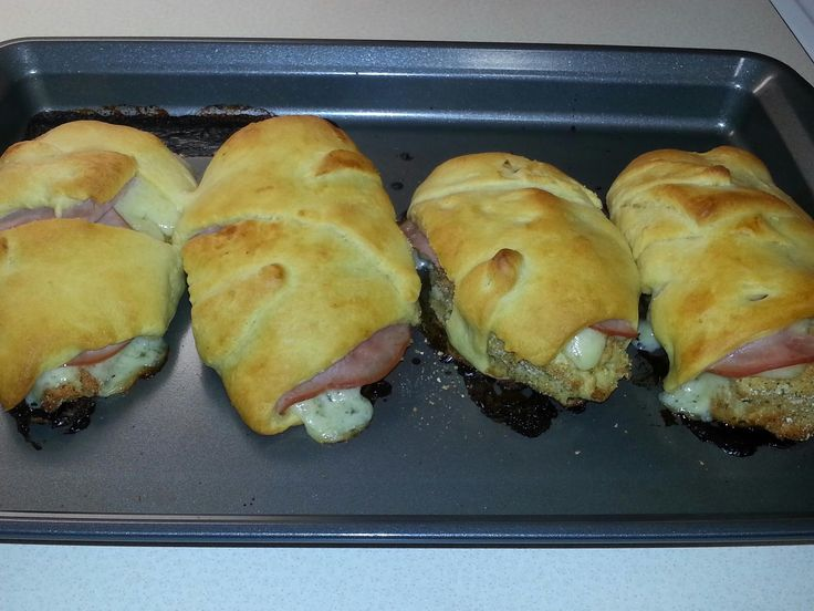 Chicken Cordon Bleu Crescent Rolls | Dinners I want to try that Jamie ...