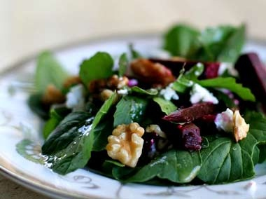 Arugula Salad with Beets and Goat Cheese | Food & Drink | Pinterest