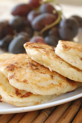 Made these Cottage Cheese Pancakes this morning sweetened with agave ...