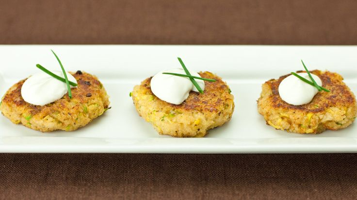 crab cakes crab cakes with easy remoulade zucchini stuffed crab cakes ...