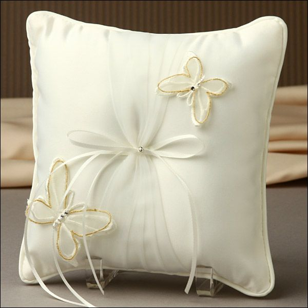 Pin By Jenny Cook On Wedding Ring Bearer Pillow Pinterest