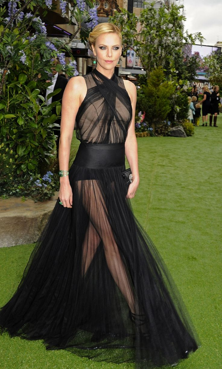Charlize Theron in Christian Dior | Red Carpet Favorites | Pinterest