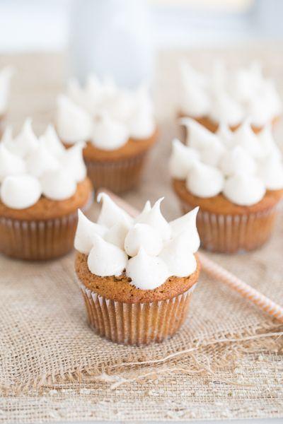 Pumpkin spice cupcakes - http://usefulforwomen.info/pumpkin-spice ...