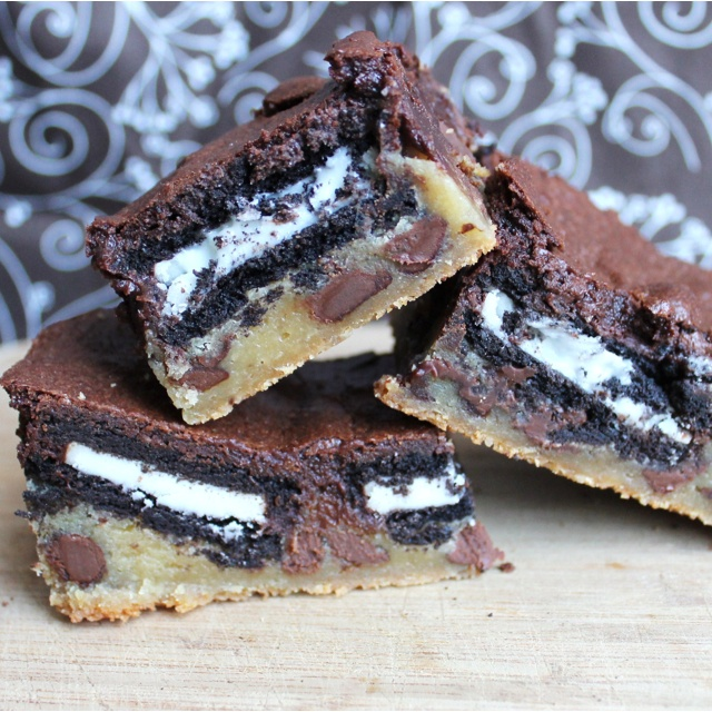 Oreo and Peanut Butter Brownie Cakes