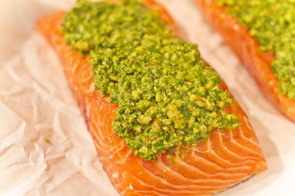 Oven-Baked Crunchy Lemon Pesto Salmon | Tasties | Pinterest
