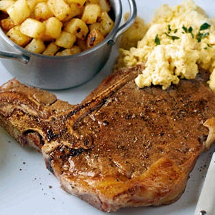 steak with creamy eggs and hash browns | Food Food Food :) | Pinterest