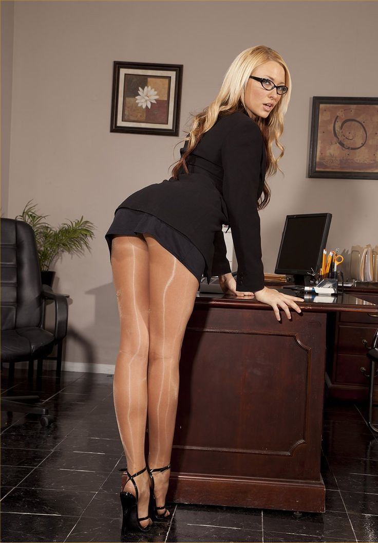 Long legged sexy clothed secretary stips to ride cowgirl in the office № 1035029 бесплатно