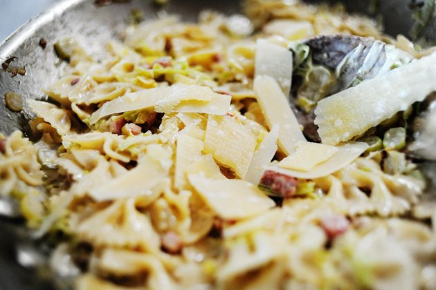 Pasta With Pancetta And Leeks Recipe — Dishmaps
