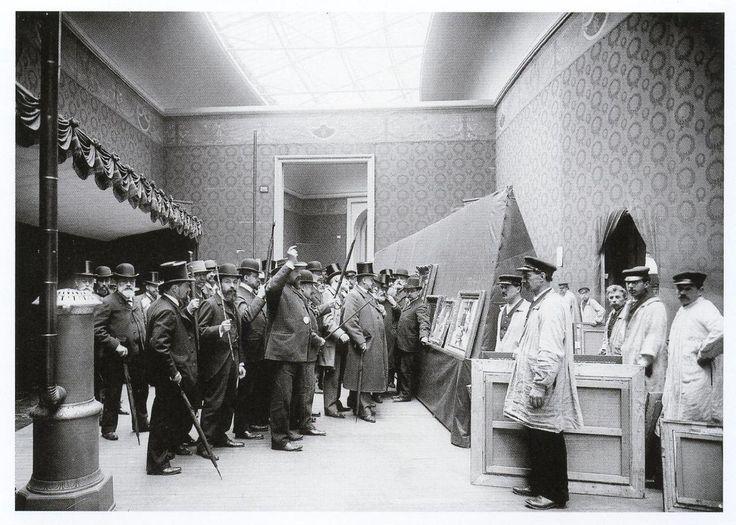 Jury of the salon paris 1903 people looking at art for Salon ce paris