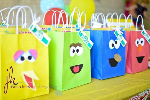 Sesame Street favor bags #sesamestreet #partyfavors