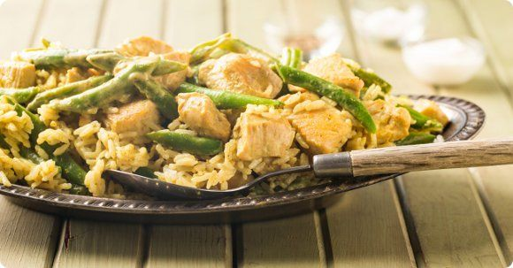 Chicken Curry in a Hurry! Coconut milk, chicken, green beans + rice ...