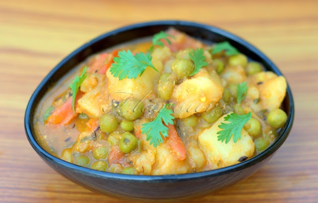 Flavours: Aloo Mutter / Peas and Potato Curry without Onion and Garlic