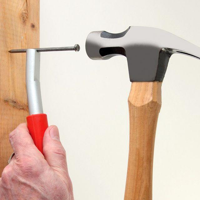 ThumbSaver Magnetized Nail Setter