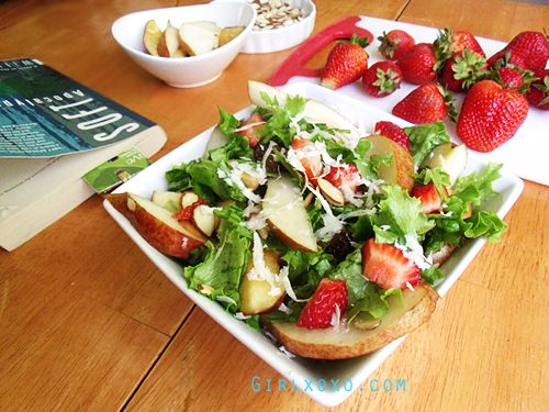 Apple Pear and Strawberry Summer Salad | Salad Yum | Pinterest