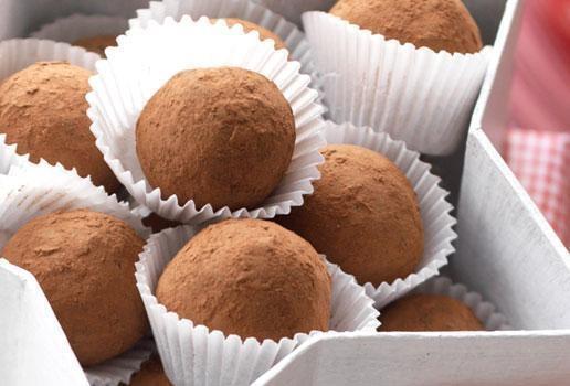 Aero Chocolate Cranberry Truffles | Crazy for Chocolate | Pinterest