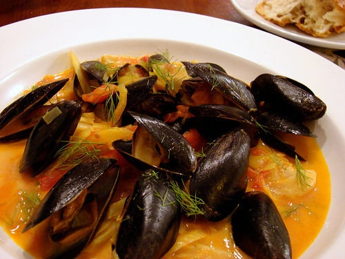 Mussels for One (or Two) - with the flavors of fennel, saffron, thyme ...