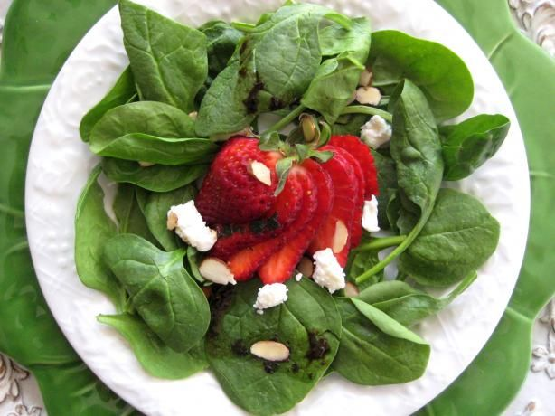 Spinach and Strawberry Salad With Feta Cheese and Balsamic Vinai | Re ...
