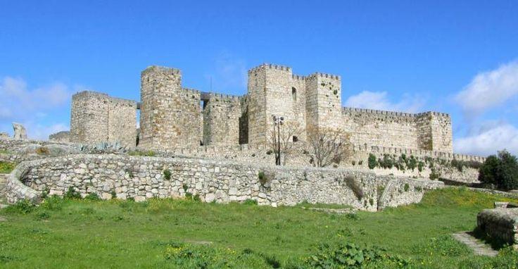 Castillo de Trujillo (Cáceres)  castillos  Pinterest