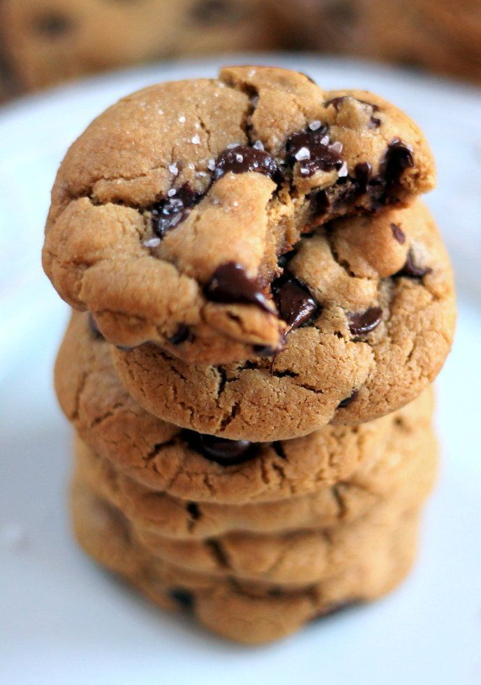 The BEST Gluten Free Chocolate Chip Cookies made with coconut oil and ...