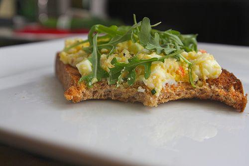 mayo-free egg sandwich