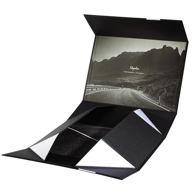 Packaging of the World: Creative Package Design Archive and Gallery: Rapha's Grand Tour Shoes