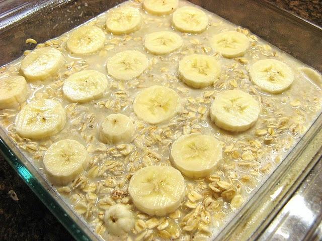 Baked Banana Oatmeal. | FOOOOD | Pinterest