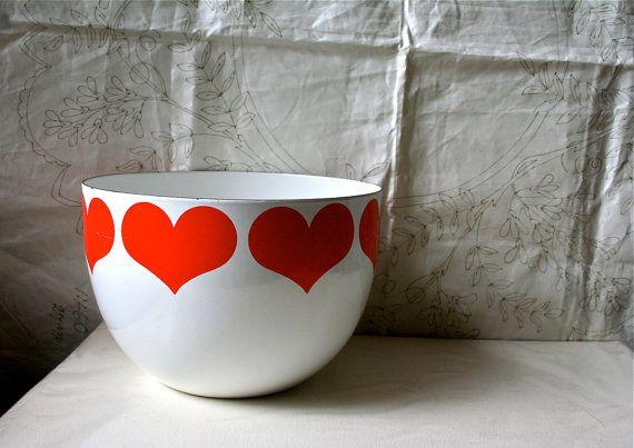 Arabia Finland Finel heart bowl
