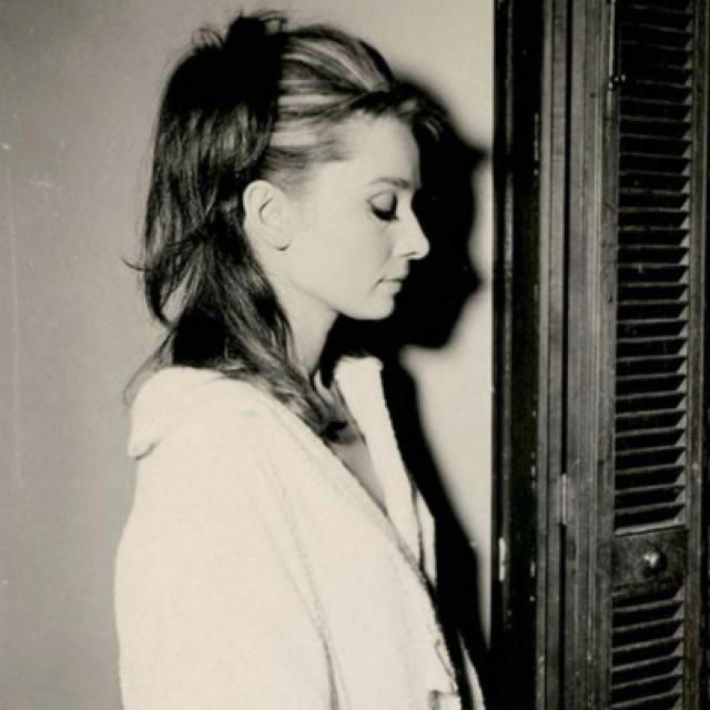 Audrey HepburnAudrey Hepburn Hair Down