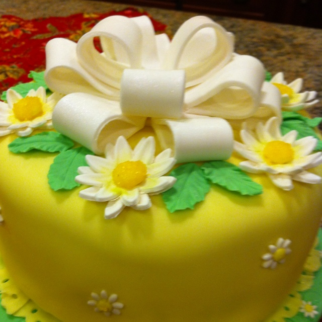Wilton fondant class final cake! Cakes....cupcakes ...