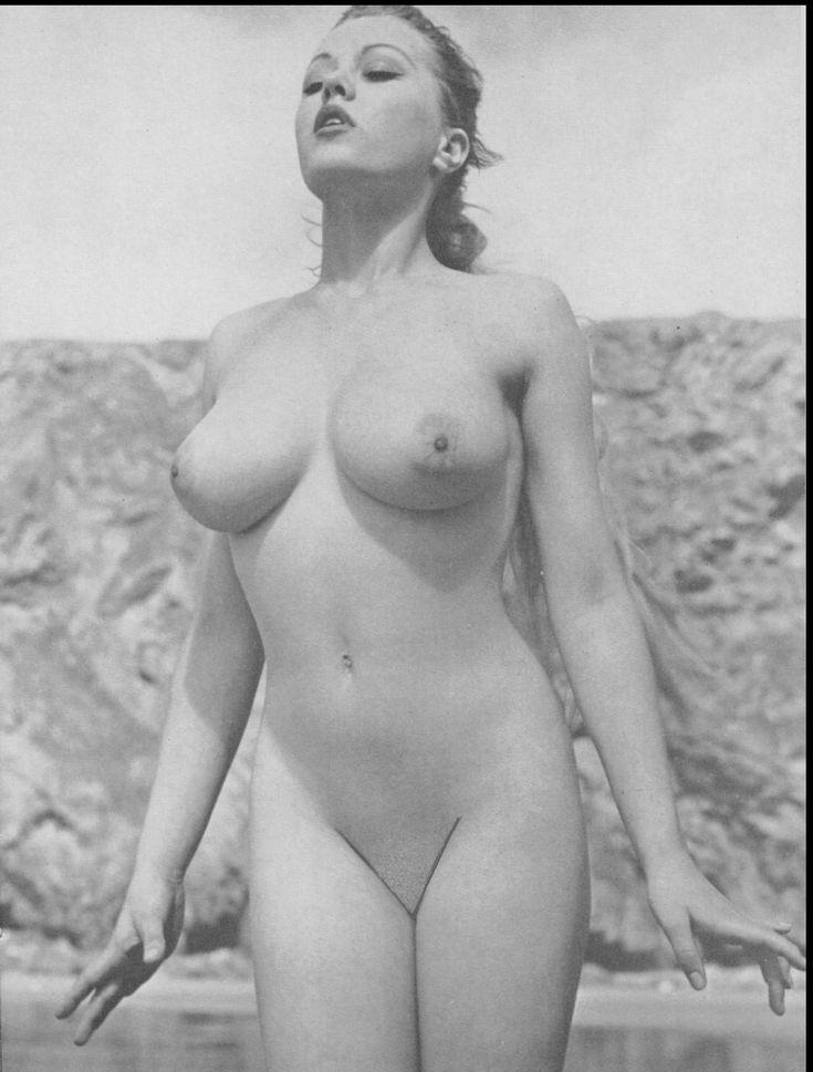 Vicky Kennedy Nude Model