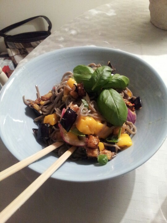 Soba noodles with fried eggplant and mango