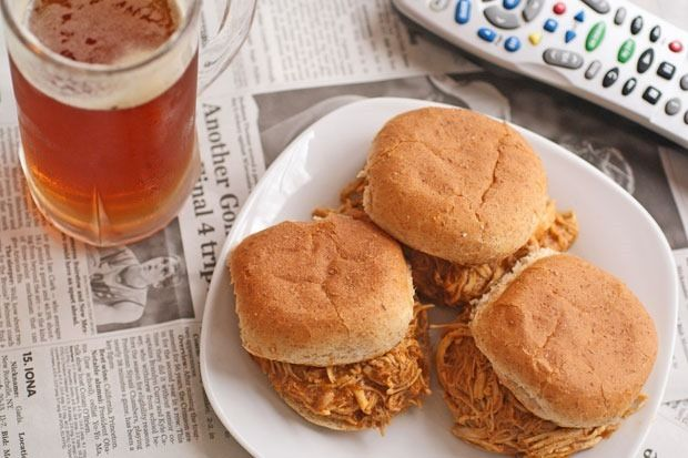 Slow Cooker Buffalo Chicken and Ranch Sliders #RanchRemix