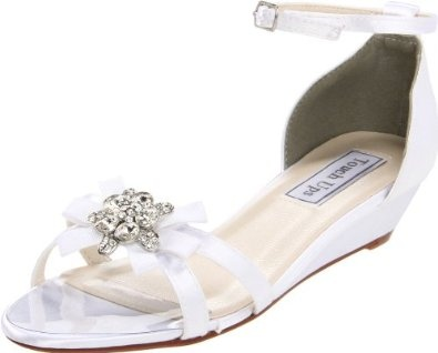 Touch Ups Women's Tillie Wedge Sandal --- http://bizz.mx/8su