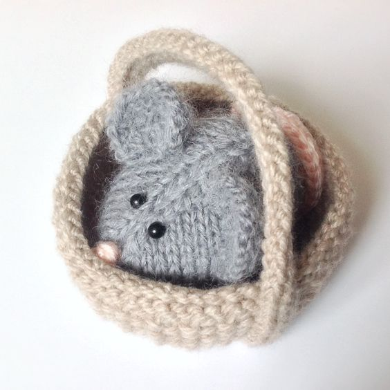 Knitting Pattern Toy Mice : Squeaky Mouse in a basket toy knitting patterns