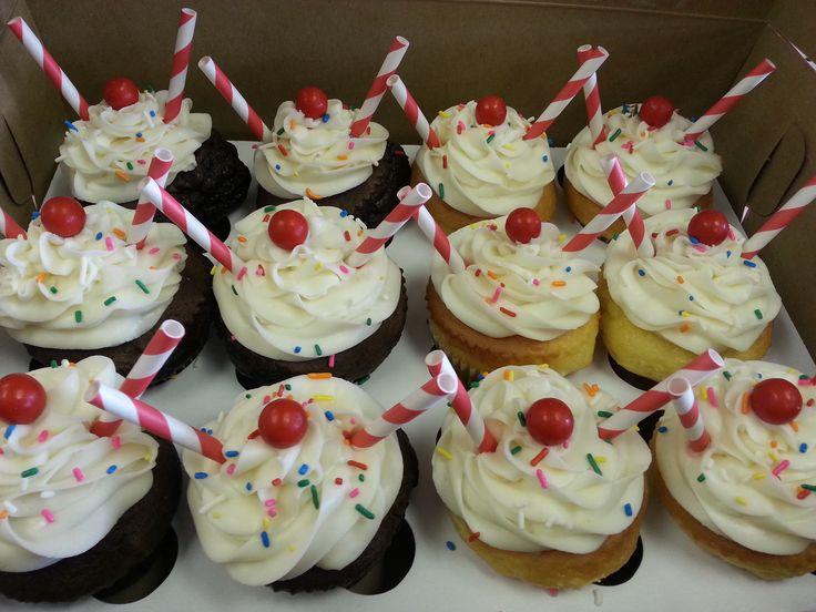 Milkshake cupcakes | Custom Cupcakes | Pinterest