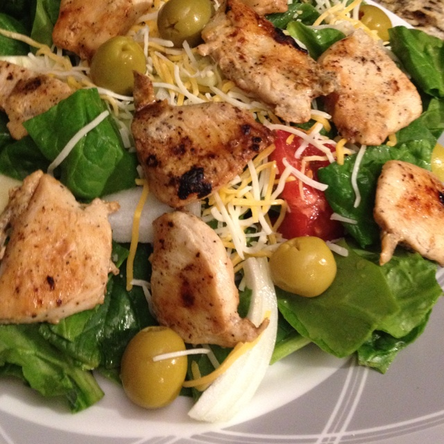 ... spinach salad with grilled chicken and freshly made balsamic vinegar