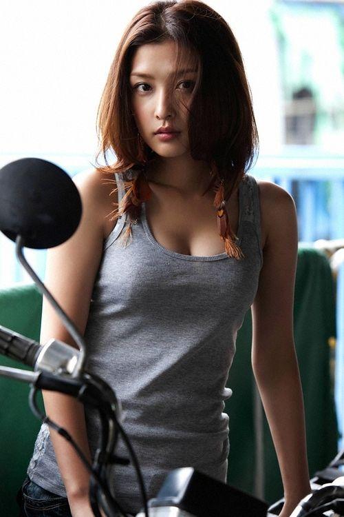 rika ishikawa | 石川梨華 | Girls on Motorcycles | Pinterest: pinterest.com/pin/133348838937656616